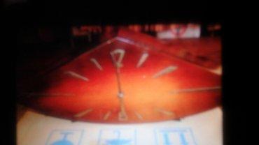"""stolustu saatlar - Azərbaycan: Часы настольные, деревянные,"""" Ромб""""( Пахлава) фигурные, коричневого"""
