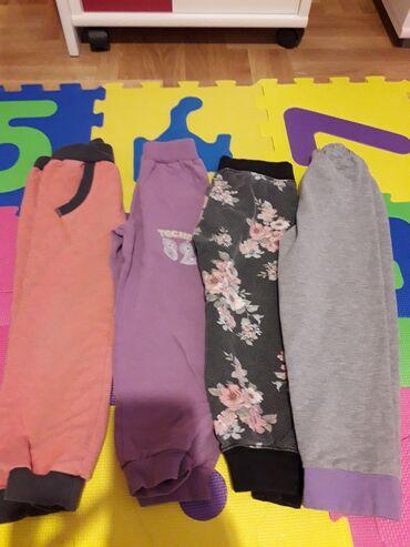 Skafander za bebe - Pozarevac: Trenerke za devojcice,duzina je 35 cm,cena je za paket