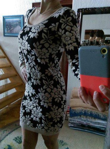 Prodajem predivnu haljinu. Veličina s kao nova, bez oštećenja i fleka! - Ruma