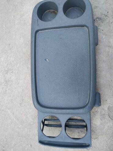 Продаю подстаканник на Хонда Срв 1997года