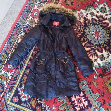 Зимняя куртка, качественная,все замки целы, нитки нигде не торчат,легк