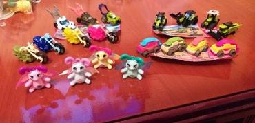 Bakı şəhərində Kinder surpriz oyuncaqları yeni kolleksiyalardı burda 5 kolleksiya