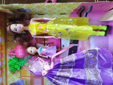 продадим куклу в Кыргызстан: Продаю куклу Барби с гардеробом для нее и для дочери  Состояние отличн