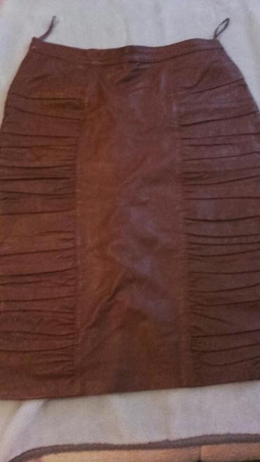 Kozna-suknja-m - Srbija: Kozna suknja do kolena,jesenja-zimska,stoji veoma lepo,veoma
