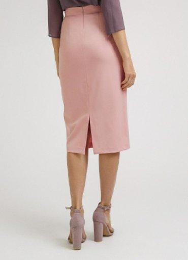 черная юбка карандаш в Кыргызстан: Юбка карандаш, цвет пудра, размер 42 обмен