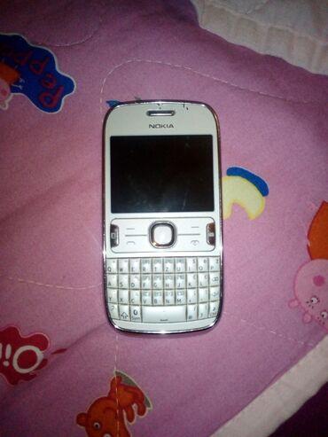 Elektronika - Zajecar: Nokia Asha 302bez ostecenja,ocuvana,otkljucana za sve mreze,dobra