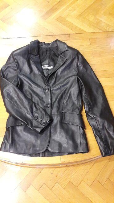 Zenska kozna jakna velicina M u odlicnom stanju