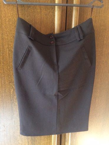 Duzina struk suknja - Srbija: Tamno braon suknja, sa elastinom, lepo stoji, struk 36cm, duzina 56cm