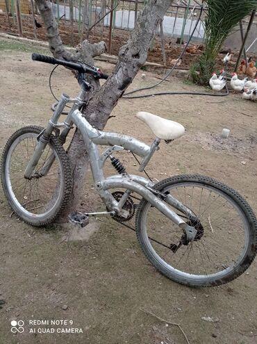 26 liq velosiped satisi - Azərbaycan: Sürətli 26 lıq velosiped əla rahat gedməyi var bir kraska və tormuz