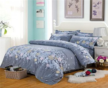 пододеяльник в Кыргызстан: Постельное белье новое на кровать двухспальную шириной 180 см-