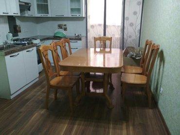 срочно продаю, стол со стульями б/у состояние отличное,  новые ковры р в Бишкек