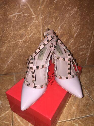 tufli valentino original в Кыргызстан: Лиловые туфли от Valentino