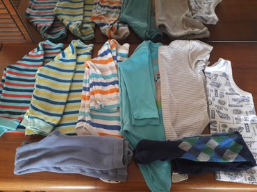 Bakı şəhərində Одежда детская на 1-2 года . 2 кофточки , 3