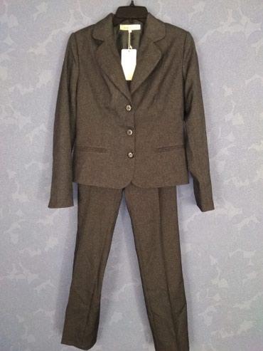 Брючный костюм женский вечерний - Кыргызстан: Продаю новый брючный костюм серого цвета, 44р