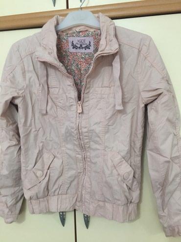 Roze jaknica,36 velicina ali odgovara i 38. Bez ikakvog ostecenja - Kragujevac