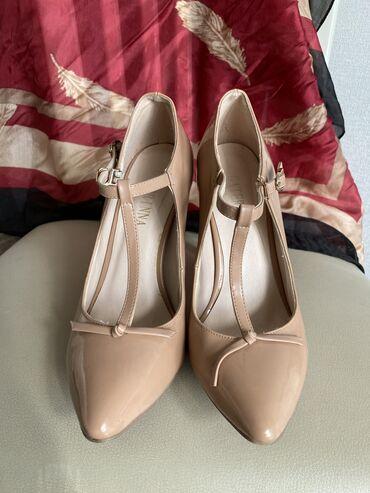Продаю туфли нюдового цвета,высота каблука-10см,размер-36р.есть