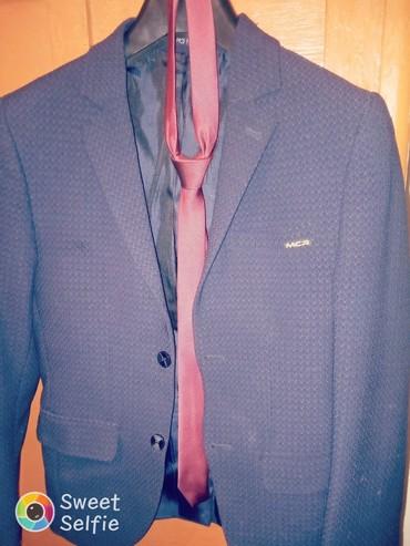 Продаю пиджак с галстуками Турецкий, р. 48, состояние отл. в Бишкек