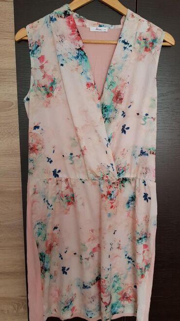 Ženska odeća | Negotin: Roze cvetna haljinica vel.40, duzina 98cm, struk 40cm