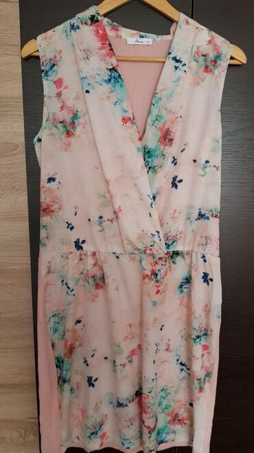 Haljine | Negotin: Roze cvetna haljinica vel.40, duzina 98cm, struk 40cm
