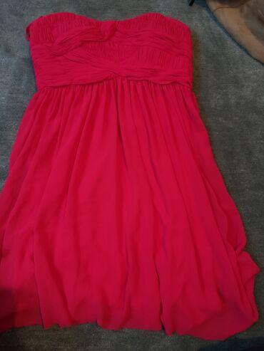 Duga haljina - Srbija: Haljina je bila duga. Treba da se porubi, ima kprset i jastucice