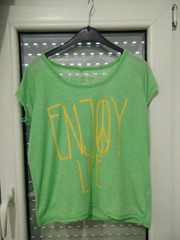 Ženske majice - Srbija: New yorker majica u zelenoj boji, divna.Velicina majice je M.Dostupna