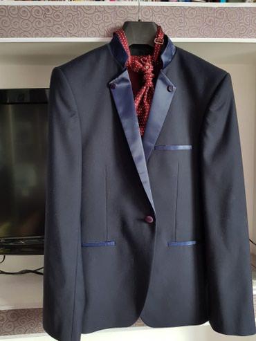 Костюм р 46 состояние идеальное.Жилет с галстуком и рубашка