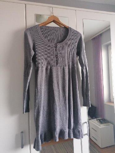 Siva ženska haljina, univerzalna veličina, ima dosta elastina