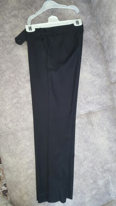Детский мир - Кок-Джар: Продаю костюм на мальчика 1-класс.Брюки новые.Жилетка новая.Пиджак б/у