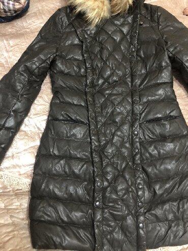 фабричные в Кыргызстан: Продаю новую куртку размер s производство Пекин фабричный качеств
