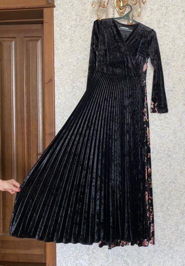 Продаю платье длинное из турецкой ткани 42 размерапочти новое