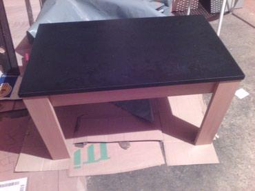 -klub sto se izradjuje od univera debljine 18 mm u kombinaciji crnog i - Belgrade