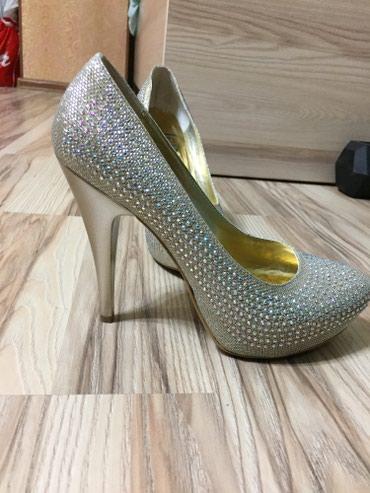 tufli zhenskie 39 40 razmer в Кыргызстан: Шикарные блестящие туфли, высокий каблук, ручная работа Производство Т