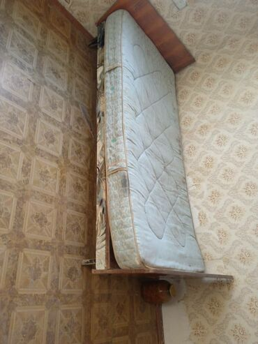 продаю квартиру в Кыргызстан: Продаю 3х комнатную квартиру город каинда улица казаченько дом 10/9 кв