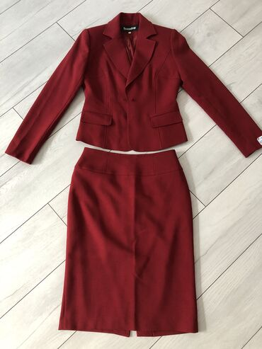 Новое Женская двойка костюм Пиджак - Юбка Сшитое на заказ  Цвет: Бордо