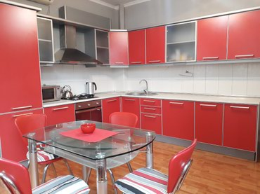 provoda 3 h faznaja в Кыргызстан: Сдается квартира: 3 комнаты, 130 кв. м, Бишкек