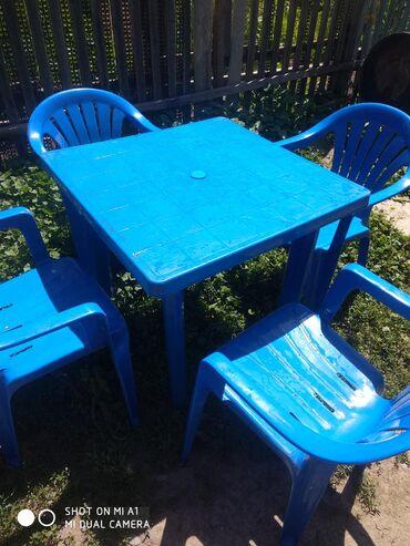 Продаю пластиковые столы стулья 7 комплектов б/у
