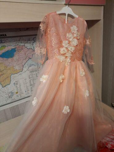 Нарядное платье на 7-9лет. 900сом