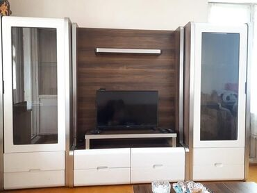 2bar+ tv stend baha alinib, kocle elaqedar tecili satilir evden