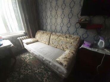 Продам диван раздвижной 2местный фирменный состояние отличное чехлы