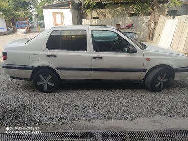 Volkswagen - Бишкек: Volkswagen Vento 1.8 л. 1994