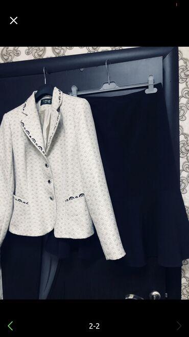 Пиджак женский брала в Италии за 6500 размер 48-52, б/у одет пиджак