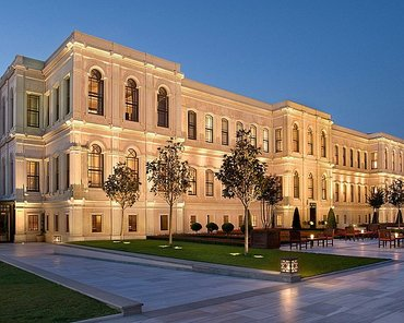Yasamal erazisinde yerlesen yeni tikilmis yasayis massivine в Баку