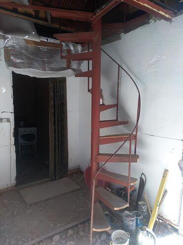 Продаю лестница высата 2,5 ширина 0,5
