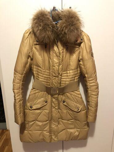 Mayo Chix jaknaPerijana jakna sa prirodnim krznom.Prelepa i