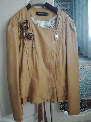 Женская одежда в Кант: Продаю кожаную куртку. Новая, так и не одевалась. Провисела год