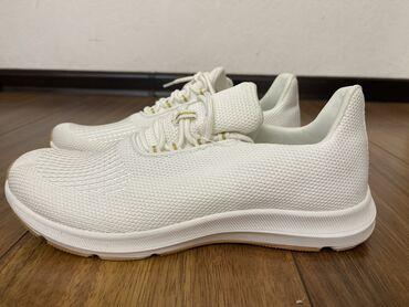new balance 530 бишкек in Кыргызстан | СПОРТТУК БУТ КИЙИМ: Белые женские кроссовки,легкие,удобные,качественные с Америки!Размер