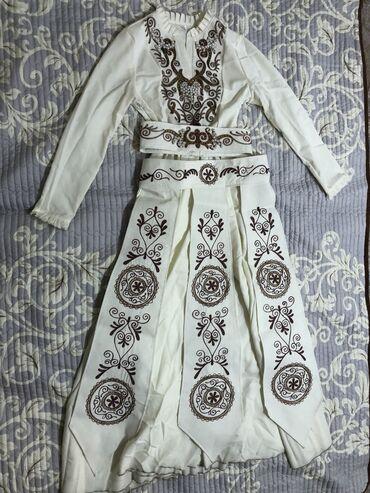 Нац платье-размер 42.Покупала 6500 Состояние отличное.Ахунбаева/Репина