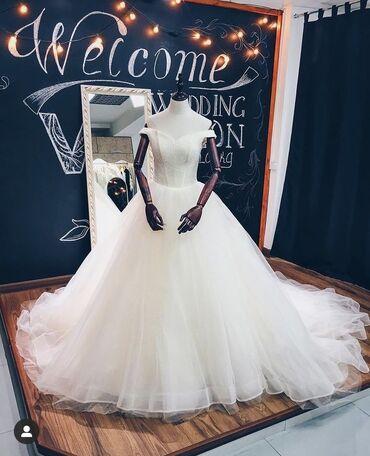 фата для девичника бишкек в Кыргызстан: Продаю свадебное платье. Цвет: белый с айвари. Карсет размерный. Шлейф