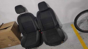 Auto sediste za decu - Srbija: Na prodaju prednja sedista za Peugeot 207 sa 5 vrata. Sedista imaju