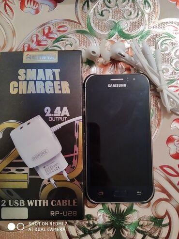 Б/у Samsung Galaxy J1 Duos 4 ГБ Синий